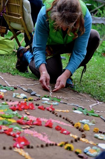 12.05.2013 - Mützingenta: Mandala zum Mitmachen