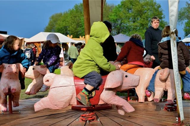 Mützingenta 2013 - Rennschweinchenkarussel